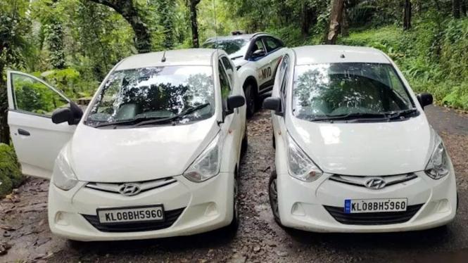 Mobil Hyundai Eon diamankan polisi karena memakai pelat nomor palsu.