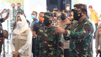 VIVA Militer: Panglima TNI Marsekal Hadi Tjahjanto di Kota Malang, Jatim