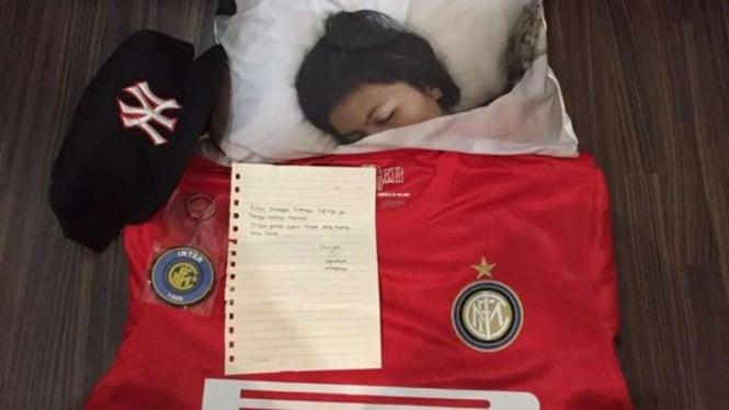 Greysia Polii tidur dengan selimut Inter Milan.