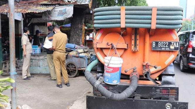 Pelaku pembuangan limbah septic tank sembarangan ditangkap