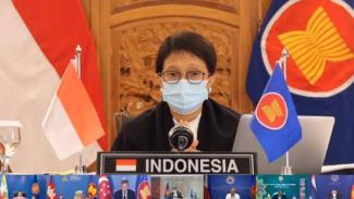 Menlu Retno Marsudi di pertemuan ASEAN