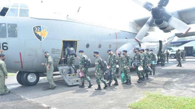 VIVA Militer: TNI kirim Tenaga Kesehatan dan Alkes ke Kalimantan dan Sulawesi