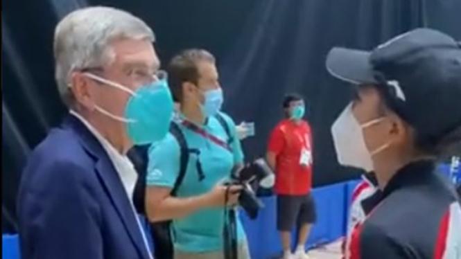 Presiden IOC, Thomas Bach dan Greysia Polii