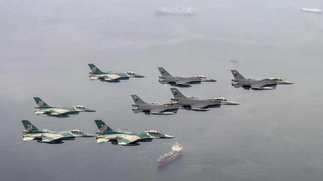 VIVA Militer: Jet tempur F-16 Fighting Falcon TNI Angkatan Udara