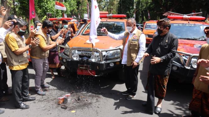 Kepala BNPB Luncurkan Mobil Masker.
