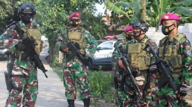 VIVA Militer: Tim QRF Batalyon Marinir Pertahanan Pangkalan (Yonmarhanlan) III