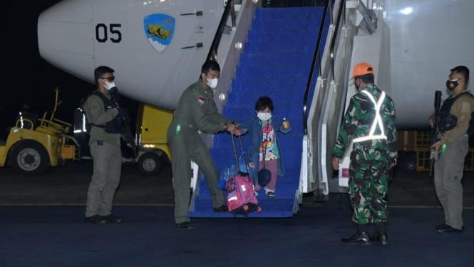 Proses evakuasi WNI dari Afghanistan.