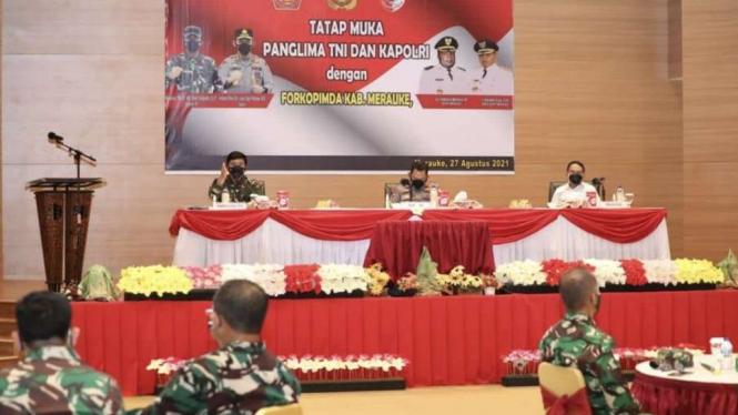 VIVA Militer: Panglima TNI gelar rapat Penanggulangan COVID di Merauke