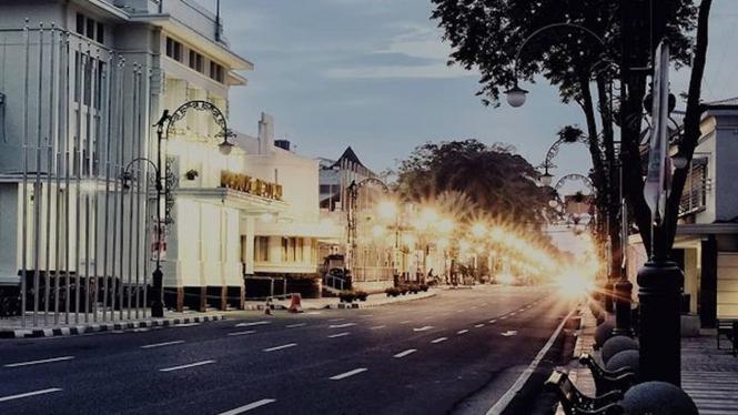 Jalan Asia Afrika di Kota Bandung, Jawa Barat.
