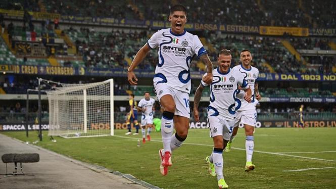 Pemain Inter Milan, Joaquin Correa merayakan gol