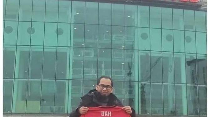 Ustaz Adi Hidayat di Stadion Old Trafford