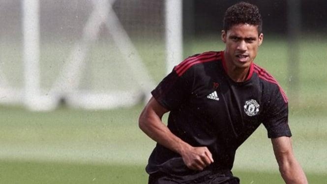 Bek Manchester United, Raphael Varane