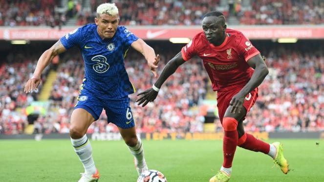 Bek Chelsea, Thiago Silva vs penyerang Liverpool, Sadio Mane