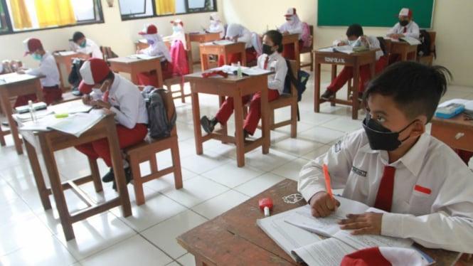 Hari Pertama Pembelajaran Tatap Muka di Masa Pandemi Covid-19
