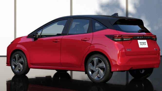 Nissan Note Aura.