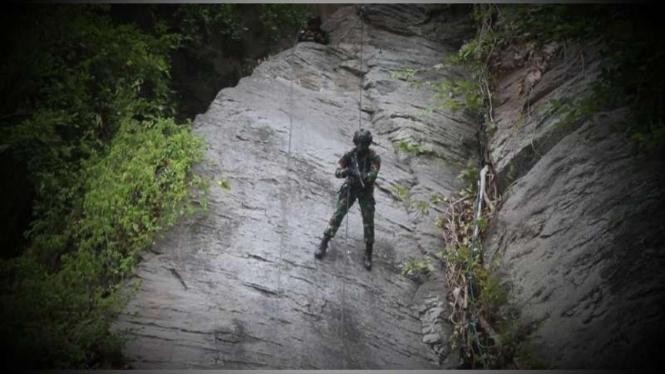 VIVA Militer: Prajurit Yonif Raider 509 Kostrad gelar latihan Dakibu di Jember