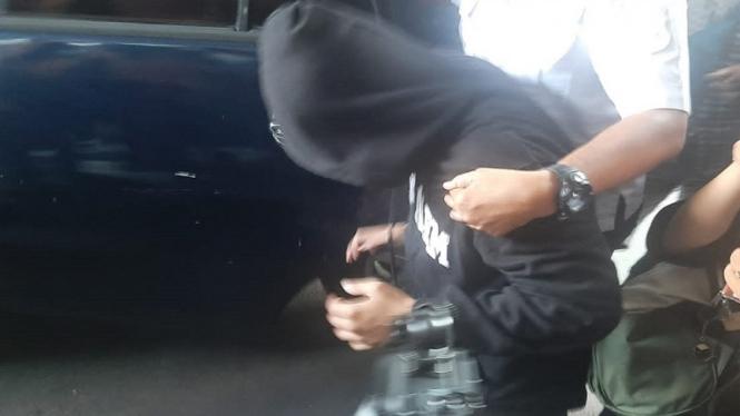 Coki Pardede saat diamankan Satuan Narkoba Polres Metro Tangerang