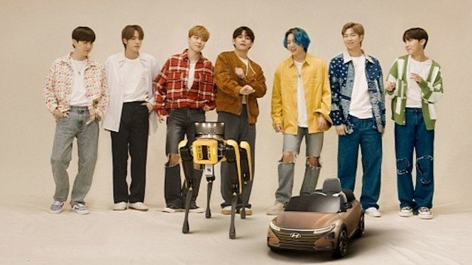 BTS dan robot Spot.