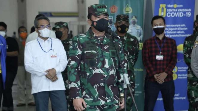 VIVA Militer: Panglima TNI tinjau serbuan vaksinasi di Bantul, Yogyakarta