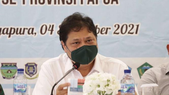Menteri Koordinator Perekonomian Airlangga Hartarto saat di Papua.