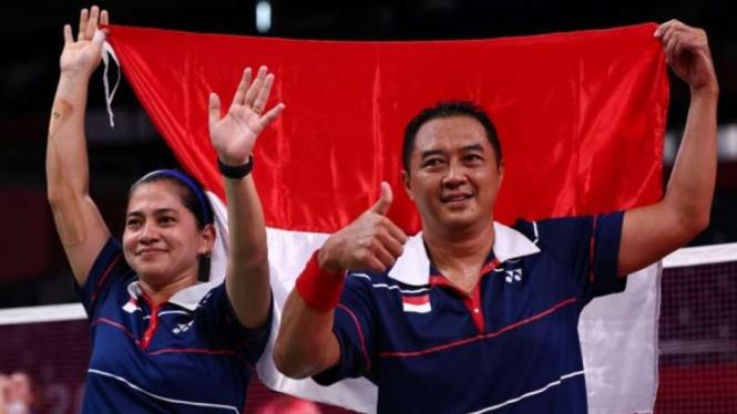 Pasangan ganda campuran Indonesia,  Hary Susanto/Leani Ratri Oktila