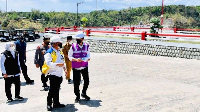 Presiden Jokowi dan Menteri PUPR Saat Meresmikan Bendungan Bendo, Ponorogo Jatim