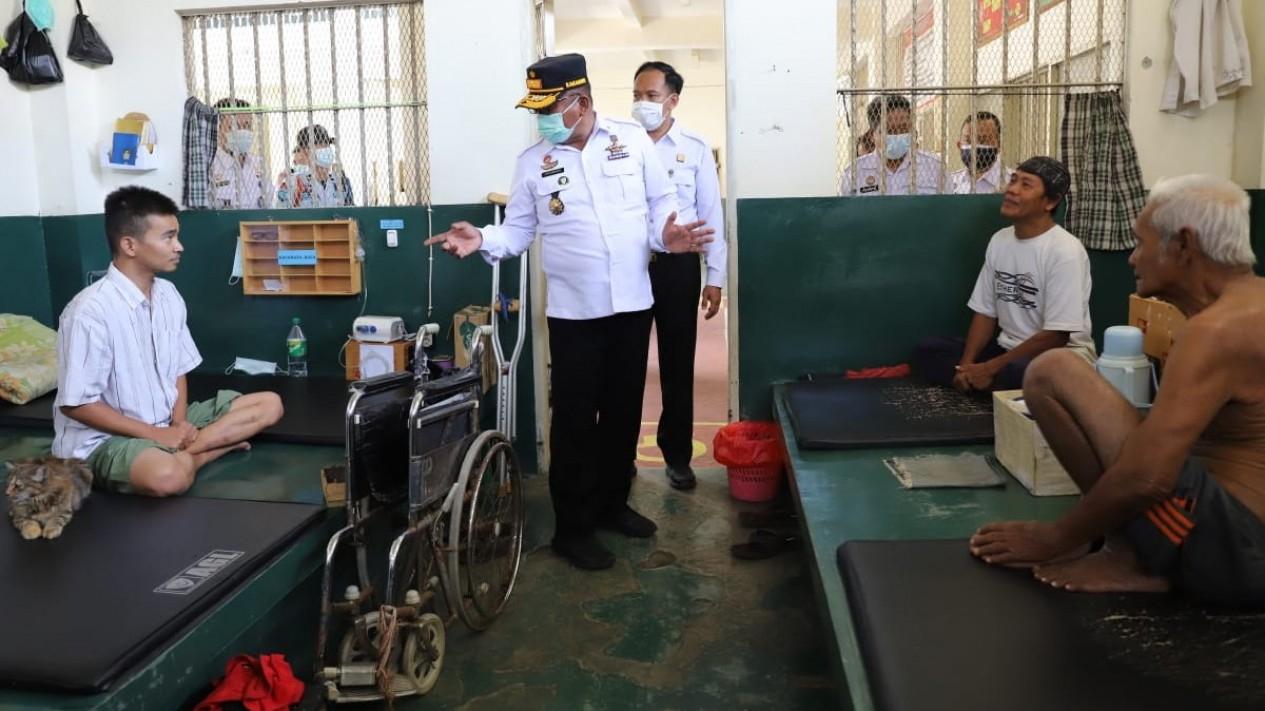 Kepala Kanwil Kemenkumham Jatim Krismono mengecek Lapas Madiun (Foto ilustrasi).