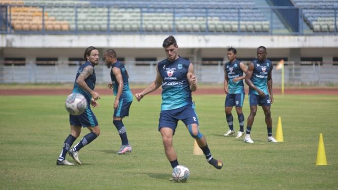 Persib Bandung menjalani latihan