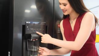 Teknologi UV Nano pada dispenser air di lemari es LG.