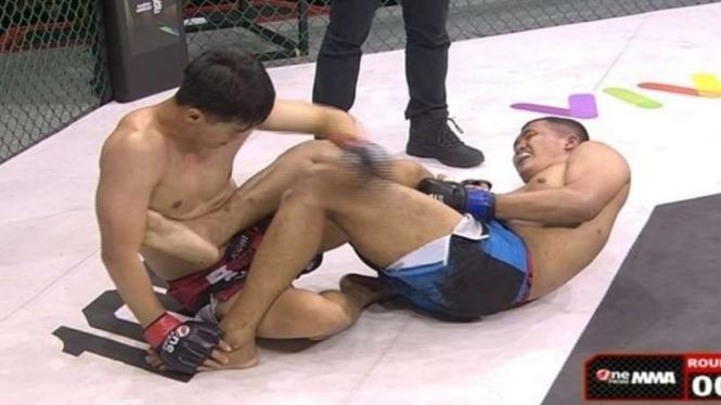 Pertarungan antara Handi Pandini vs Ahmad Al Abror