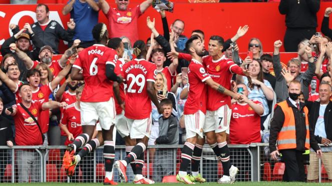 Pemain Manchester United merayakan gol Cristiano Ronaldo