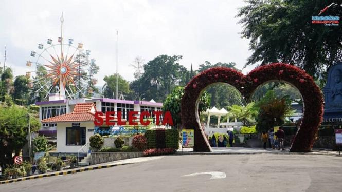 Taman Rekreasi Selecta, di Kota Batu