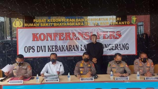 Jumpa pers kasus kebakaran Lapas Tangerang di RS Polri Kramat Jati, Jakarta.