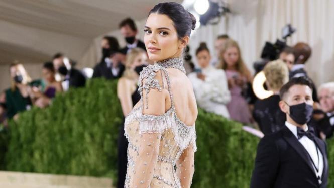 Kendall Jenner di Met Gala 2021.