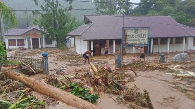 Bagian wilayah Kota Serui, ibu kota Kabupaten Kepulauan Yapen, di Provinsi Papua, yang terdampak banjir pada Selasa, 14 September 2021.