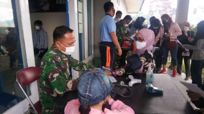 VIVA Militer: Kegiatan vaksinasi di Mako Korps Paskhas TNI Angkatan Udara