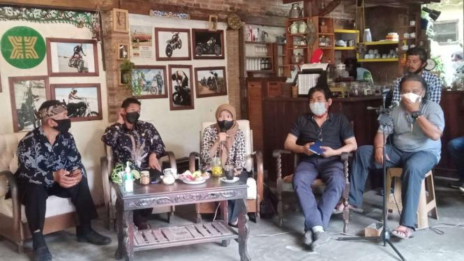 Diskusi antara Balai Besar TNBTS dengan masyarakat sekitar Desa Ngadas.