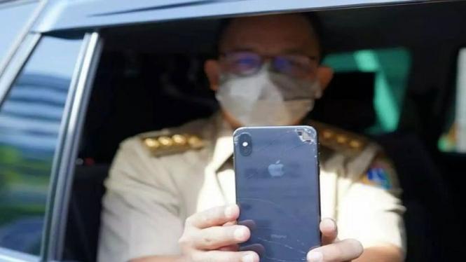 Handphone pecah Anies Baswedan jadi sorotan netizen