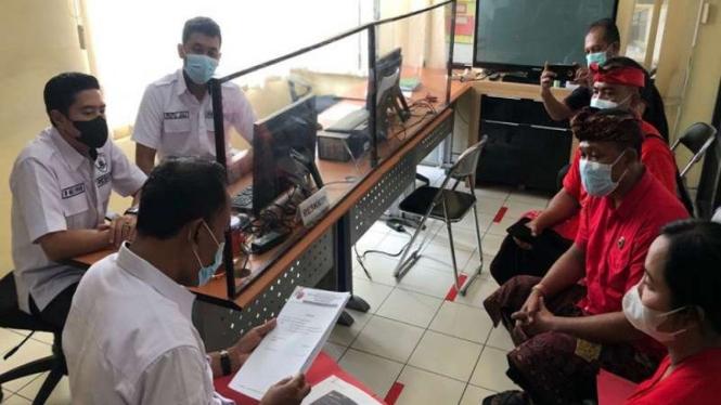 DPC PDIP Kota Denpasar melaporkan hoax Megawati ke Polresta Denpasar