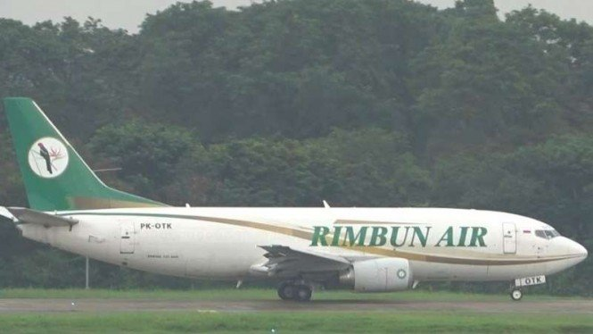 VIVA Militer: Pesawat Rimbun Air