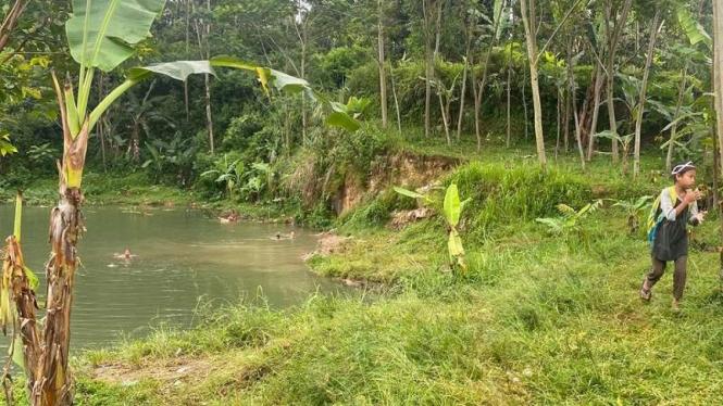 Bekas tambang galian batu cadas di Kampung Janda, Kabupaten Bogor