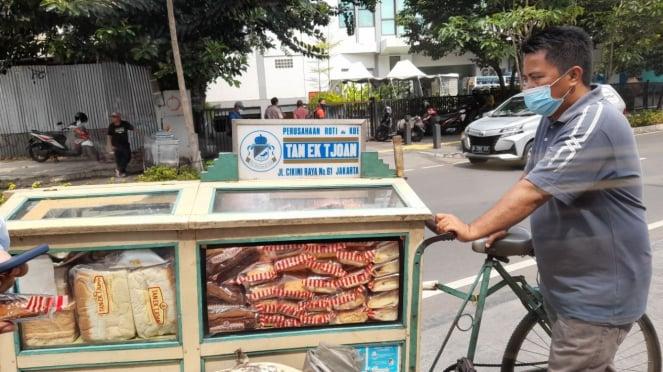 The legendary Tan Ek Tjoan bread.