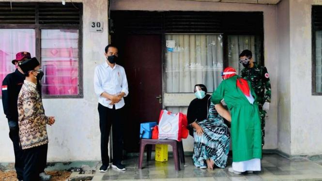 Presiden Jokowi Tinjau Vaksinasi Door to Door di Aceh