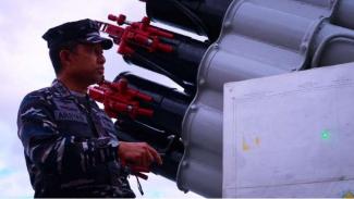 VIVA Militer: Pangkoarmada I Laksda TNI Arsyad Abdullah tinjau Laut Natuna Utara