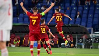 Pemain AS Roma, Stephan El Shaarawy merayakan gol