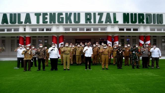 Presiden Jokowi dan Bupati-Wali Kota se Sumatera Utara
