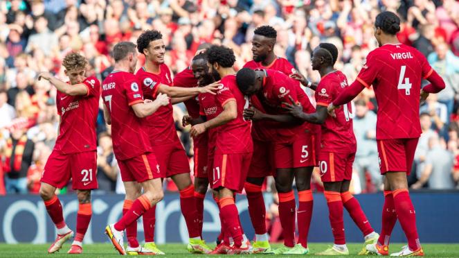Pemain Liverpool merayakan gol