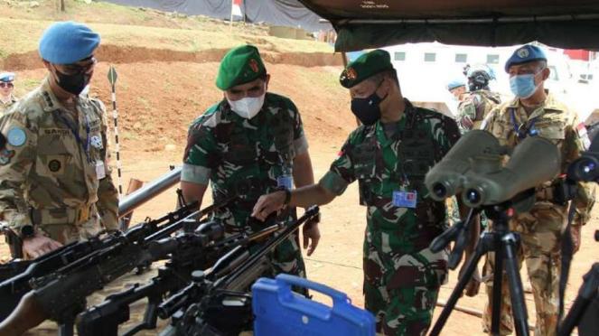 VIVA Militer: Koorsahli Kasad mengecek Alutsista di markas Satgas Garuda Kongo