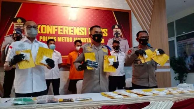 Polisi tangkap kurir sabu di Jakarta.