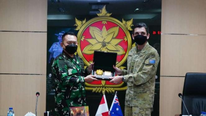VIVA Militer: Pangkostrad terima kunjungan Panglima Divisi 1 AD Australia